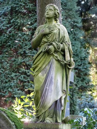 Figur 2_Johannesfriedhof.jpg
