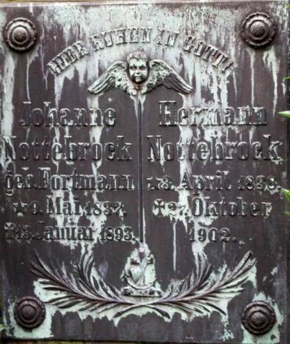 Grabstein_Johannesfriedhof.jpg